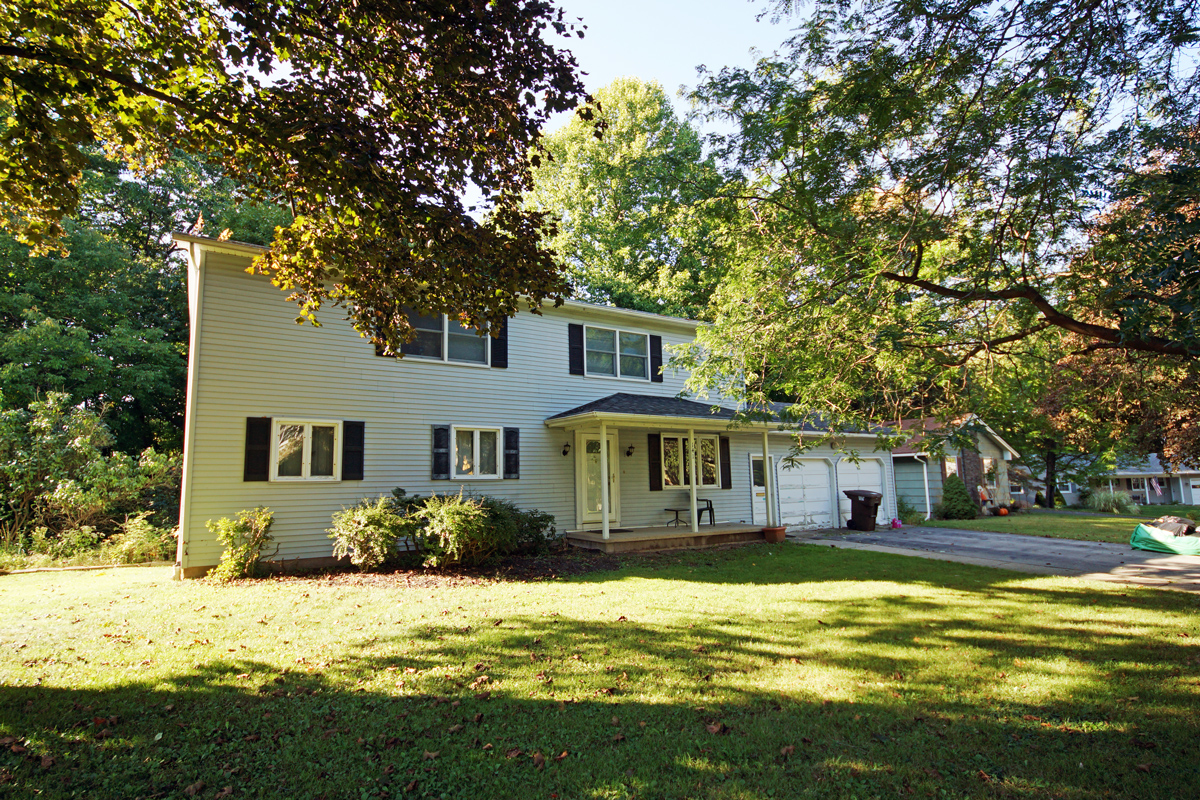 141 Westgate Dr, Rochester, NY 14617
