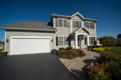 1151 Sweet Creek Cir, Webster, NY 14580,